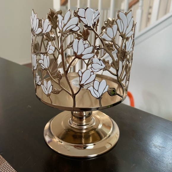BATH AND BODY WORKS 3 WICK CANDLE HOLDER